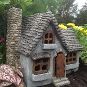 Daisy Manor for Miniature Fairy Gardens
