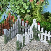 3 Colorful Fence Corners for Miniature Fairy Gardens